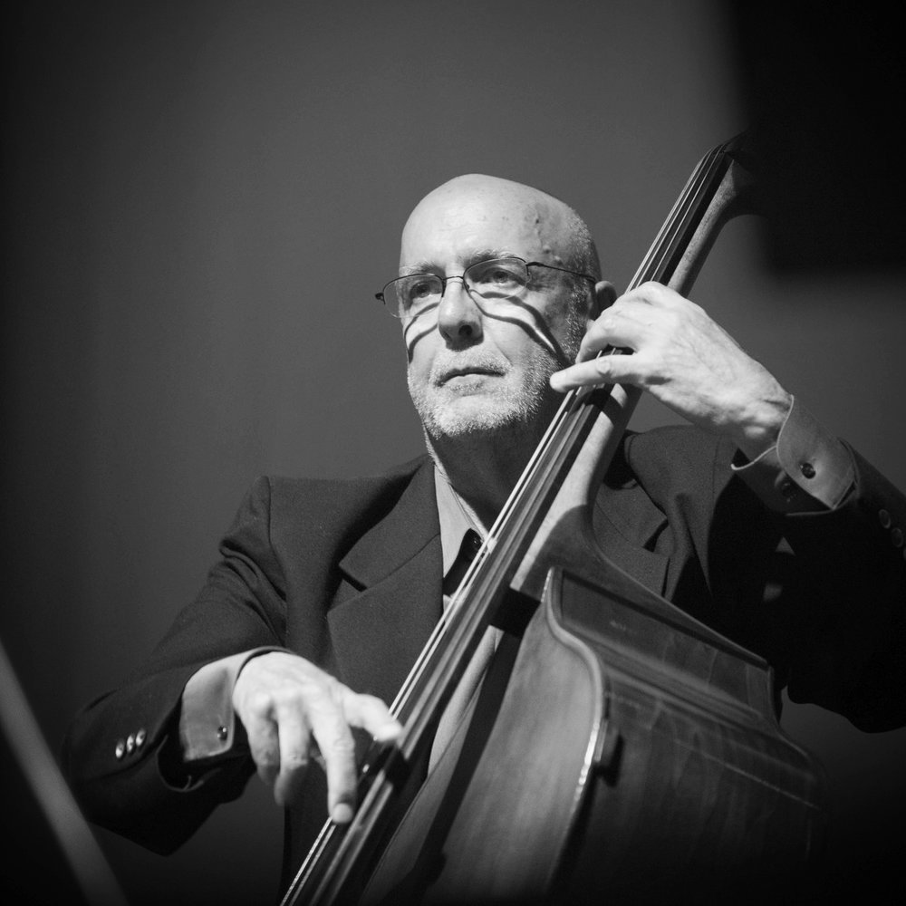 Bassist Jeff Fuller