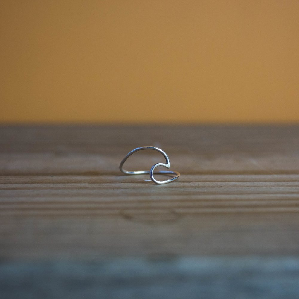 SILVER WAVE RING