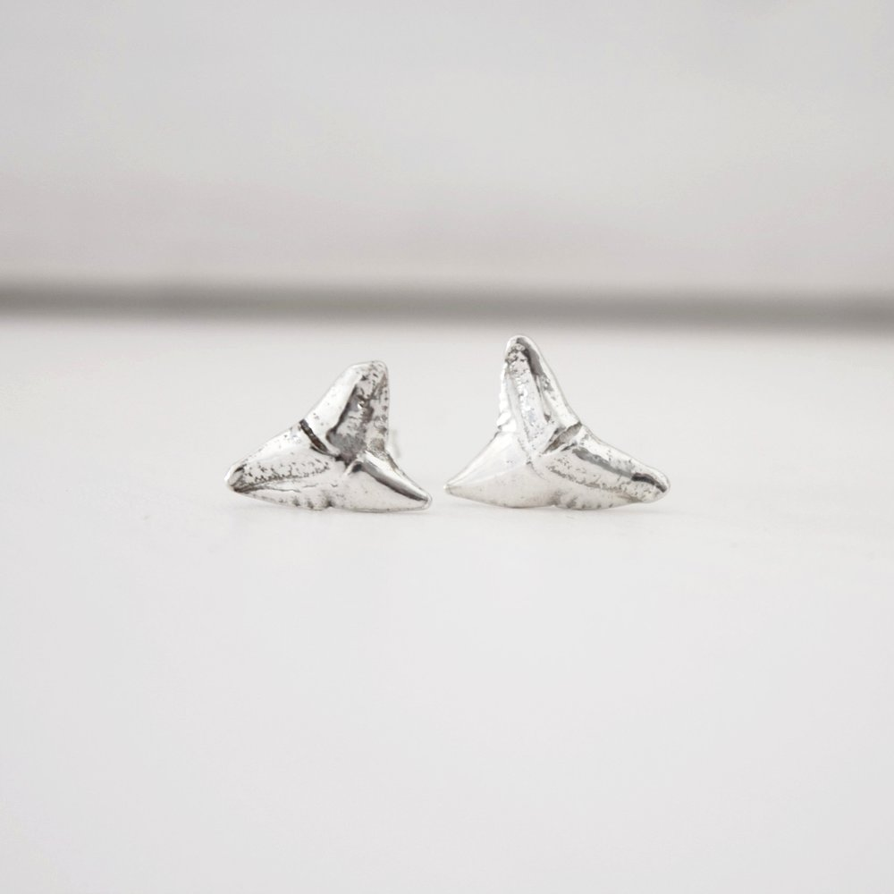 SILVER SHARK STUD EARRINGS