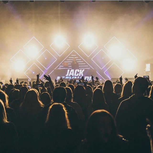 @jack_maynard Headlines Tour // Designed: Edd Croft Programmed/Opped: James Shaw  Supplied: DBNAudile 📷: @jamiexomara  @edd_cr0ft @pyrvlis @dbnaudile