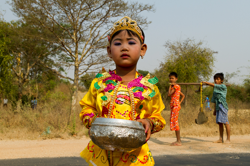 myanmar_procession-5823.jpg