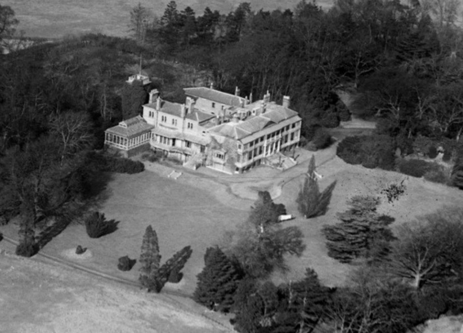 Hanworth Park House in 1929. From Britain from Above.