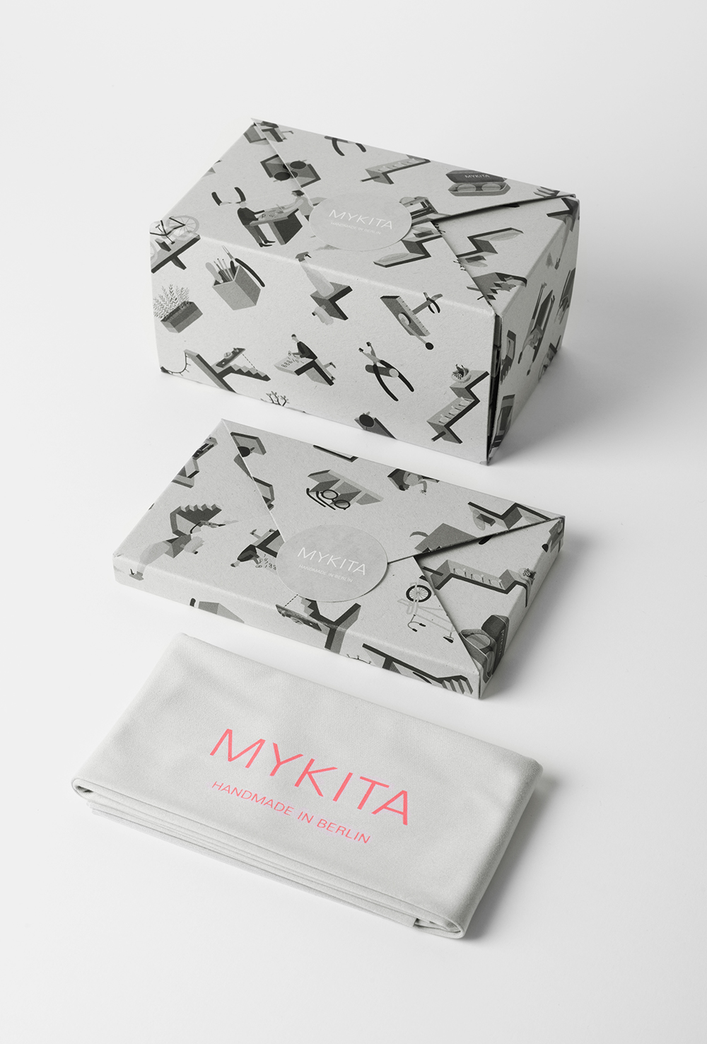 HvassHannibal_MYKITA_Presents_PUTZTUCH_Box_Verpackung_Tuch_Grau.jpg