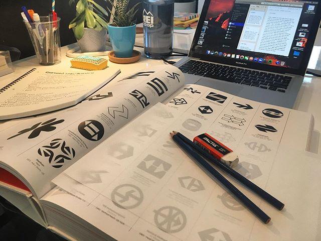 Starting the day off right - with pencils and Beyoncé for #LogoDay👌🏼 . . . . . #graphicdesign #design #logo #branding #freelance #work #illustration #socialmediamarketing #socialmedia #instabusiness #selfemployed #work #smallbusiness #digitalmarketing #typography #photography #artdirection #facebookmarketing #copywriting #agency #wellness