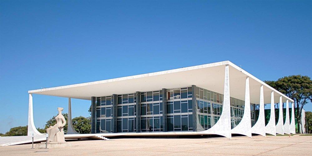 A forma de composição do Supremo Tribunal Federal brasileiro nas origens de nosso desequilíbrio institucional