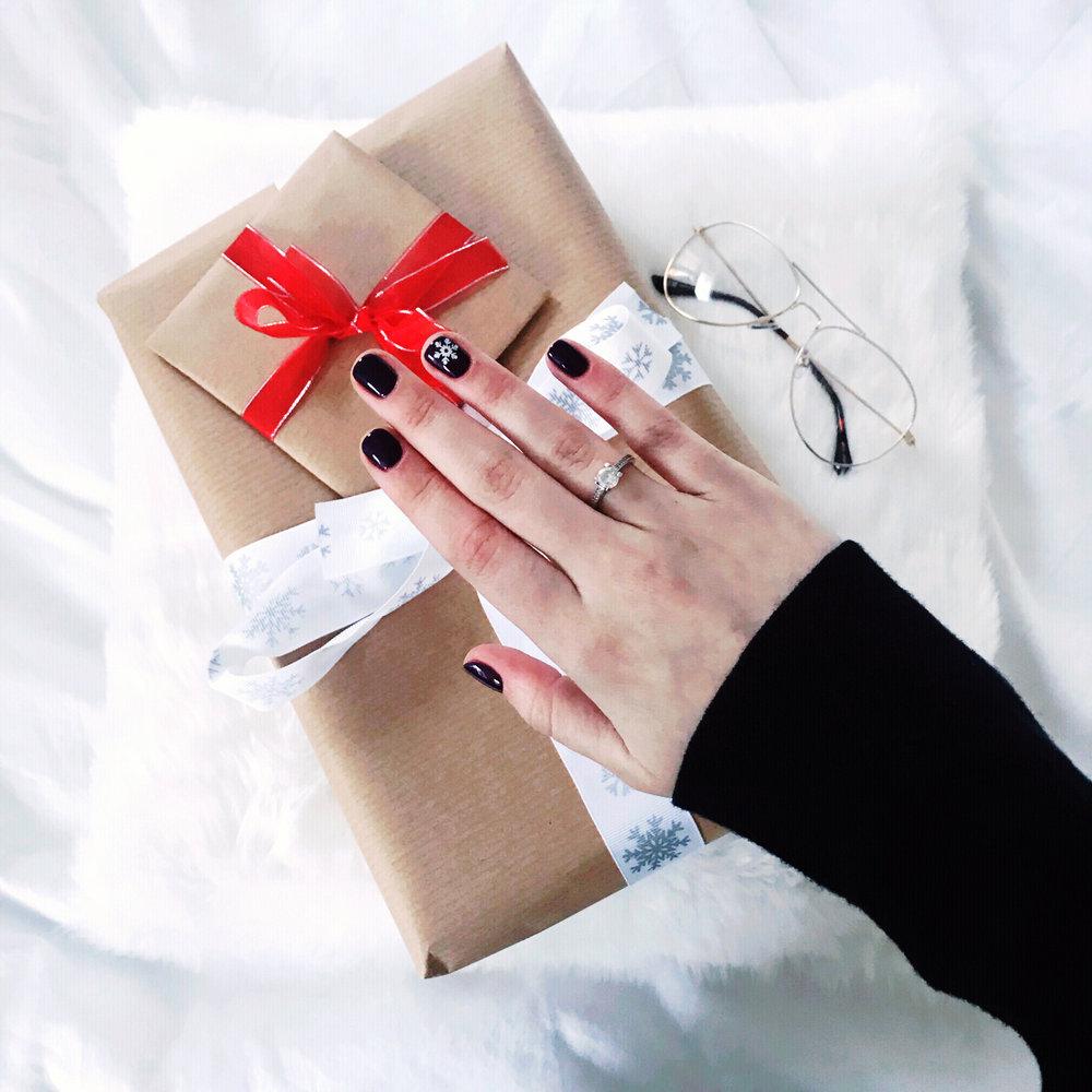 festive nails london grace