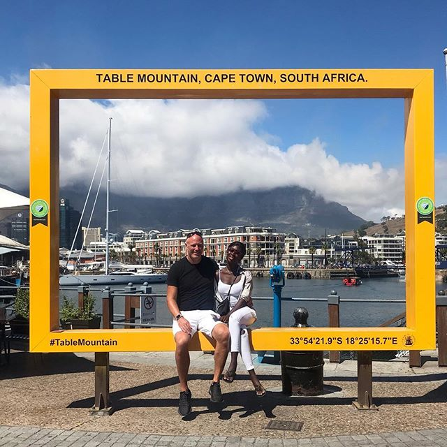 can't come to Cape Town without a picture on the yellow frame 🤣😂