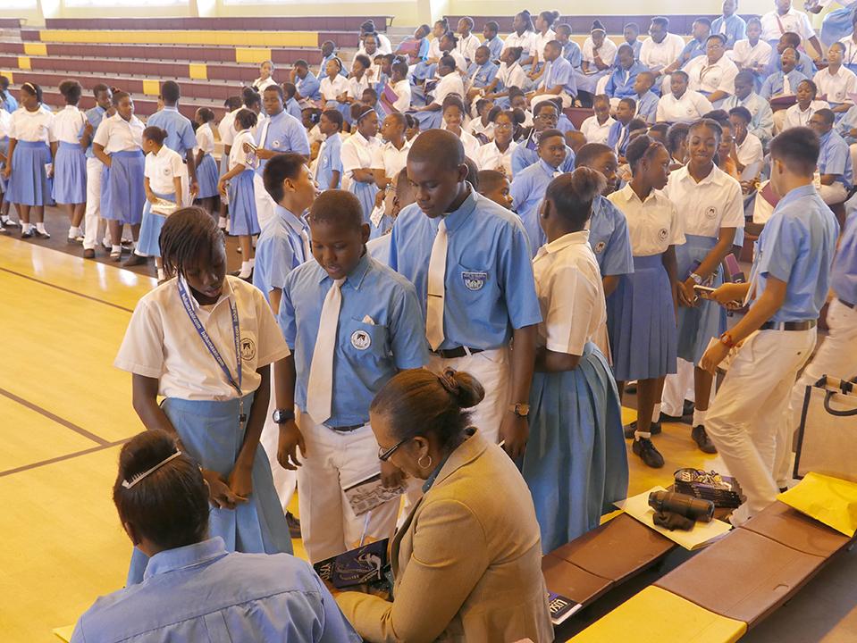 PATRICIAGLINTONMEICHOLAS STUDENTS AQUINAS_1110621.JPG