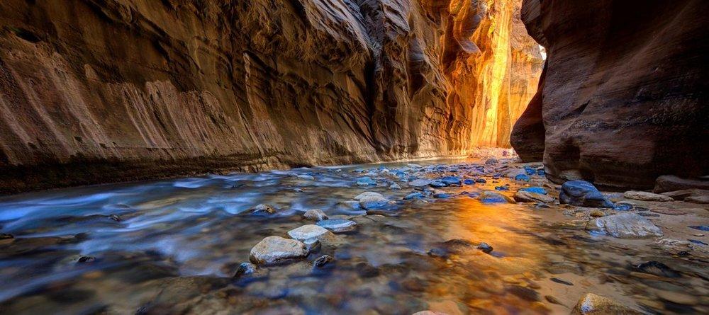 Narrows-Hiking-Trail-Zion-Canyon-1280x569.jpg