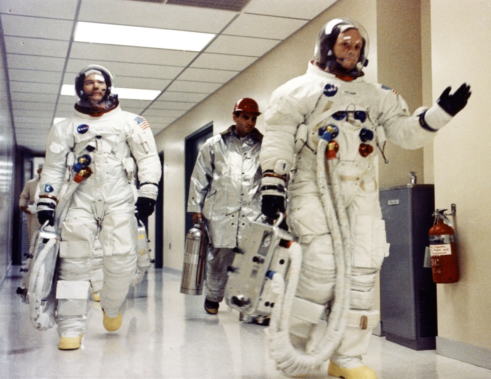 - Armstrong and Collins Apollo XI walk out, A7L spacesuits intravehicular configuration (Photo: NASA)
