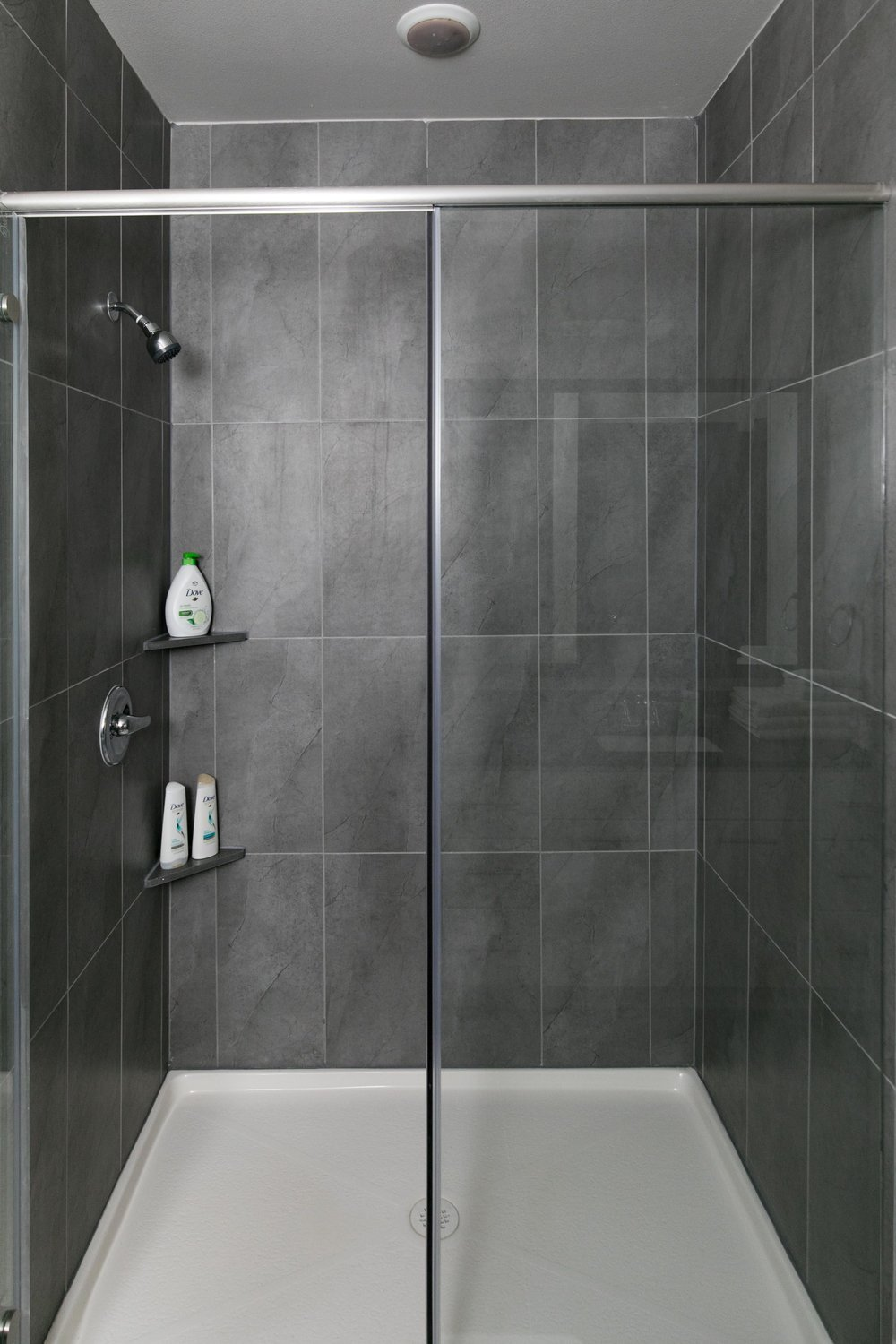 Locale East Austin - Walk-in Shower with Amenities