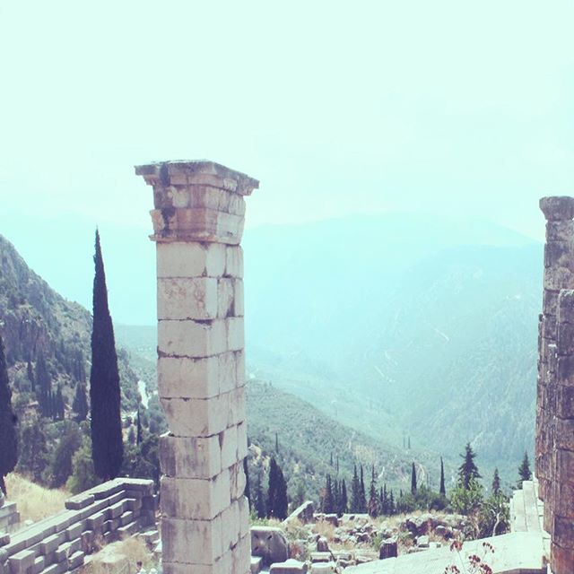 ο ομφαλός του κόσμου | navel of the world 🇬🇷visit and you'll see why. #delphi #greece