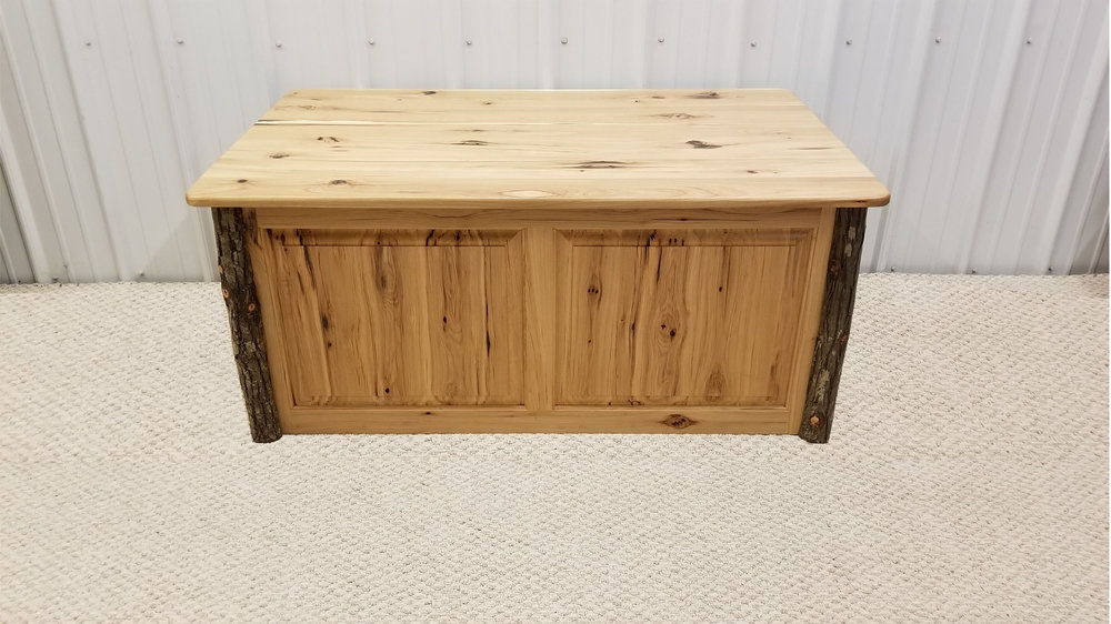 Hickory 2 Door/2 Drawer Coffee Table