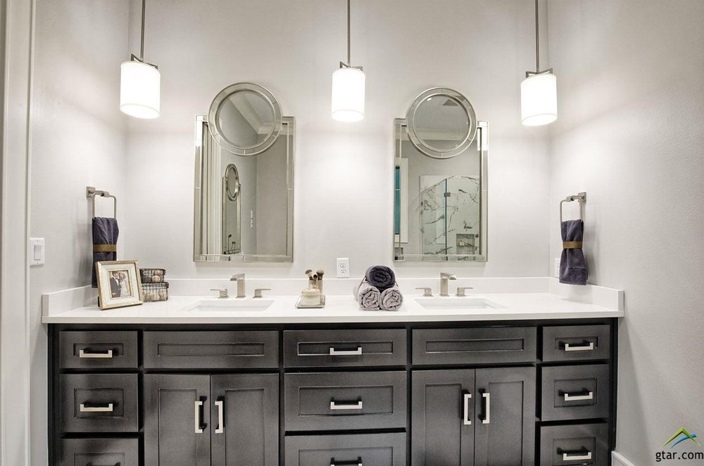 Lowden Parade Master Bathroom.jpg