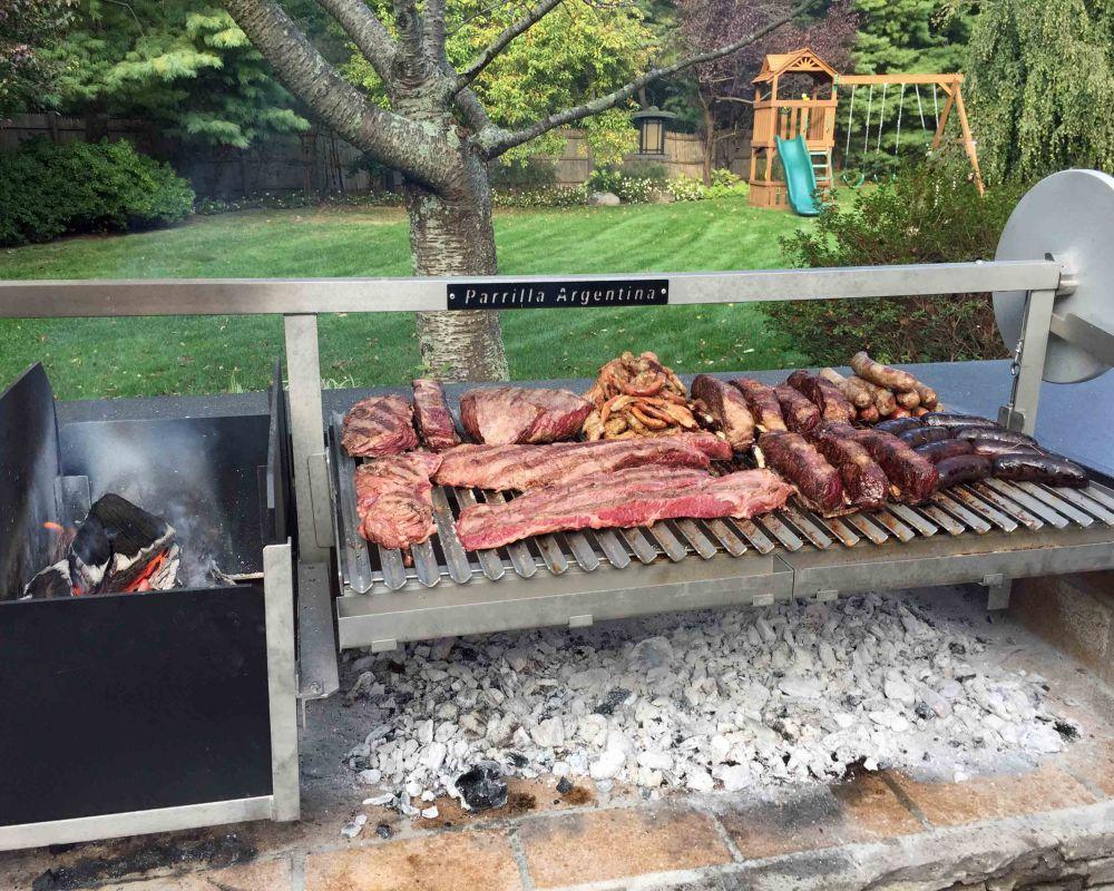 croppedimage1000800-Food-on-Grande-with-Legs.jpg
