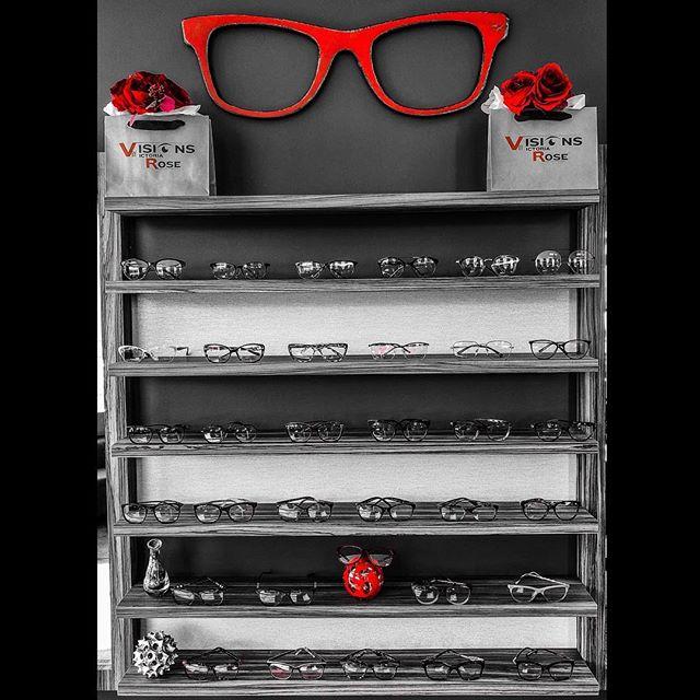 😎👁👁👓 We carry a wide variety of frames for men, women & children. #statenislandnewyork #statenislandny #newyorkcity #siny #staten #statenisland #nyc #newyork #tomford #jimmychoo #samaeyewear #gucci #zacposen #carrera #robertocavalli #katespade #verawang #bonvivant #balenciaga #bebe #prada #burberry