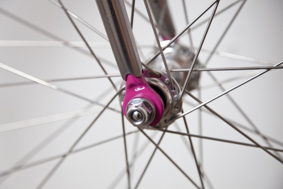 Donut bike dropout detail