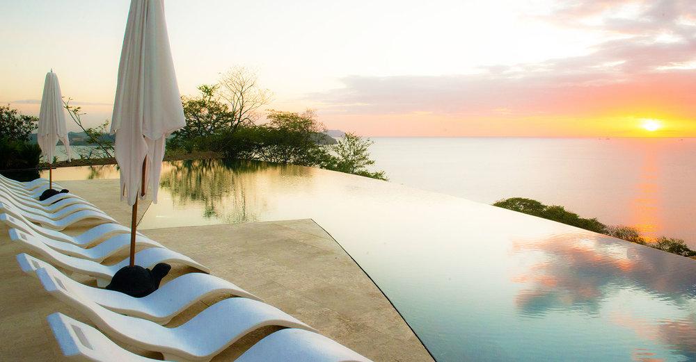 Catalinas-Pool-loungers.jpg