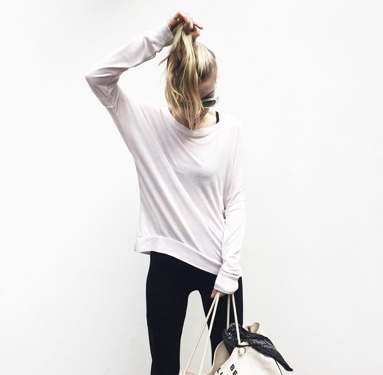Featured : David Lerner top, Teeki leggings, Maha Loka canvas tote