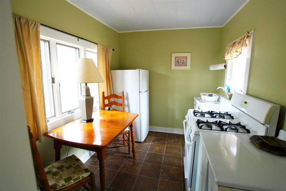cottage2kitchen.jpg.1024x0.jpg