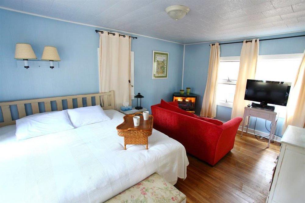 cottage2mainphoto.jpg.1024x0.jpg