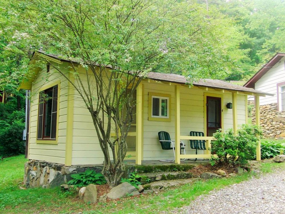 cottage4exterior.JPG.1024x0.JPG