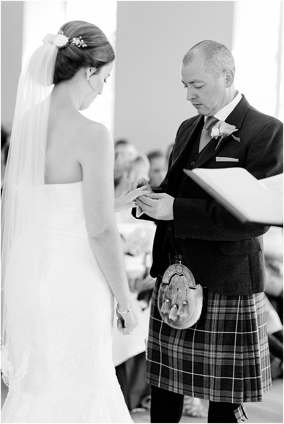 mareikemurray_wedding_photography_linlithgow_burgh_halls_042.jpg