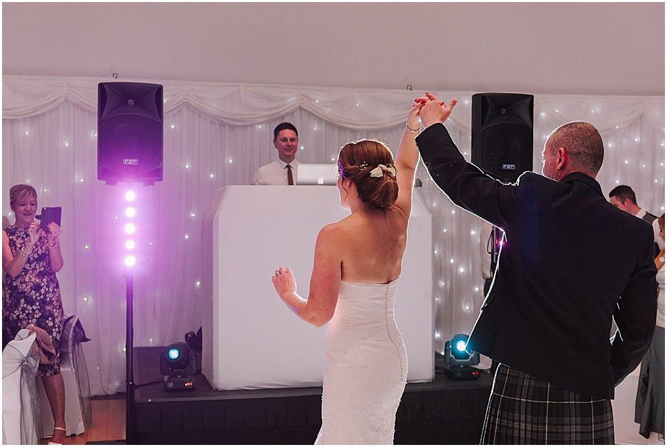 mareikemurray_wedding_photography_linlithgow_burgh_halls_079.jpg