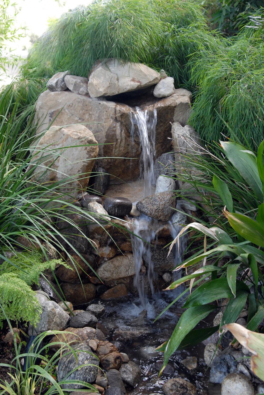 ROCK fountain_009.jpg