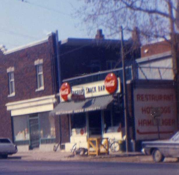 Roger Snack Bar 1971 -