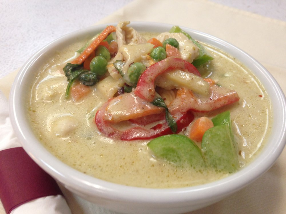 green curry - Green curry paste with coconut milk, bamboo, peas, carrot, bell pepper and basil, served with rice   7.25 / 11.95