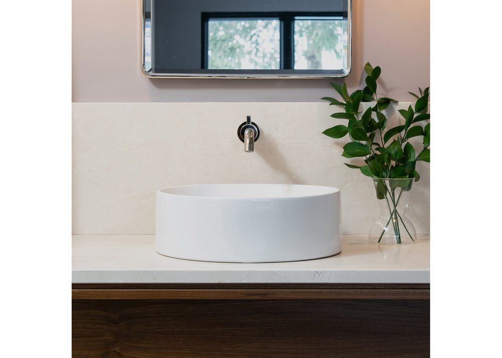 05 CountyLineHouse - Master Bath 2 WEB.jpg