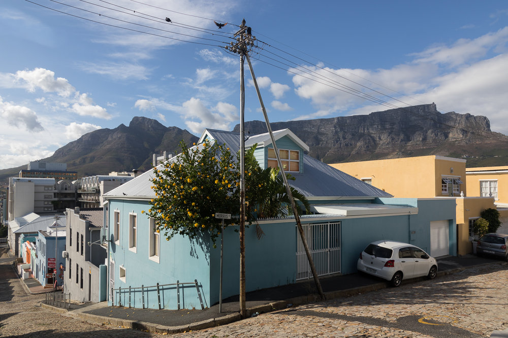 table mountain behind bo kaap neighbourhood
