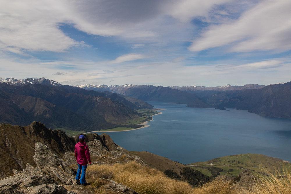 lake_hiker_newzealand