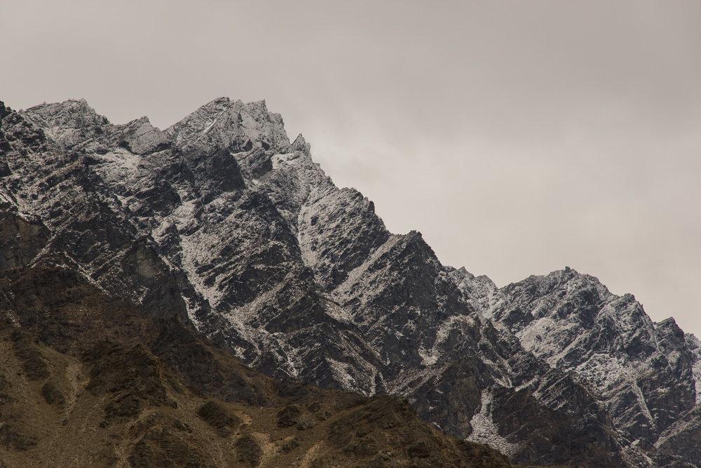 queenstown_snowy_mountain