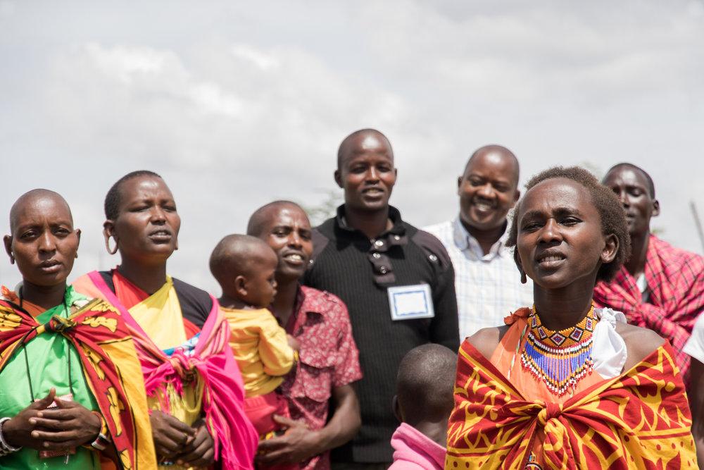 kenya_maasai_people_singing