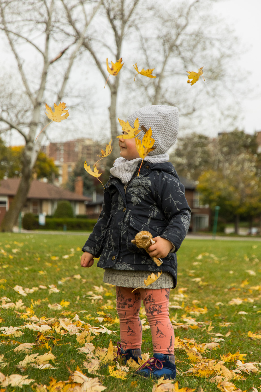 portrait_child_autumn