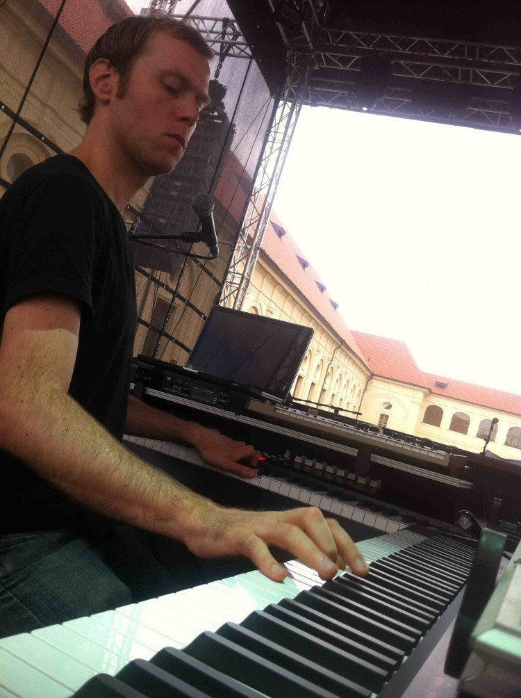 Brad Whiteley (Organ)