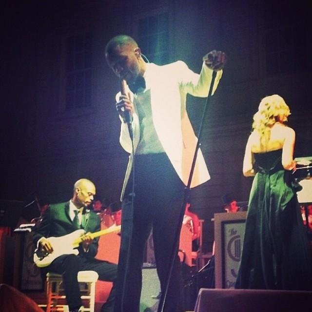 2014 Met Gala Frank Singing.jpg