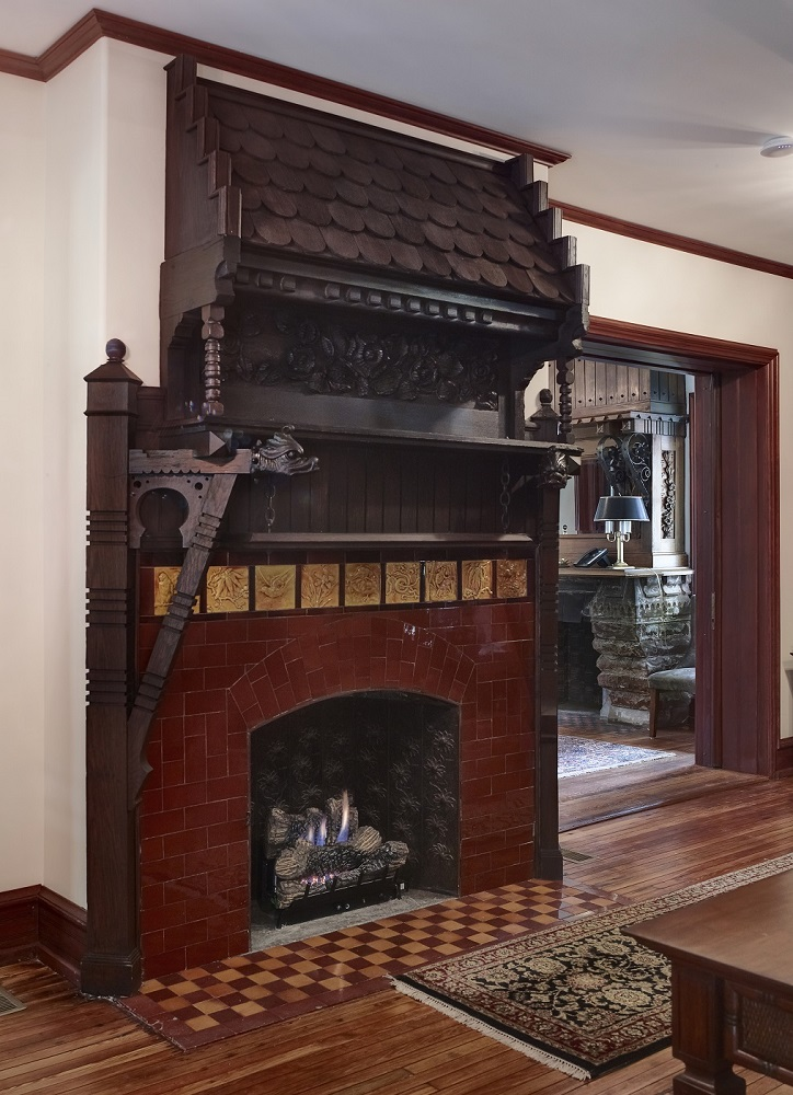MOBAC INC Chalfont sm Fireplace 1 Century21_CF038146_7_8.jpg