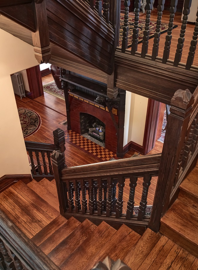 MOBAC INC Chalfont Stairs 3 Century21_CF038170_1.jpg