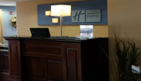 holiday-inn-express-and-suites-new-buffalo-3517385396-16x5.jpeg