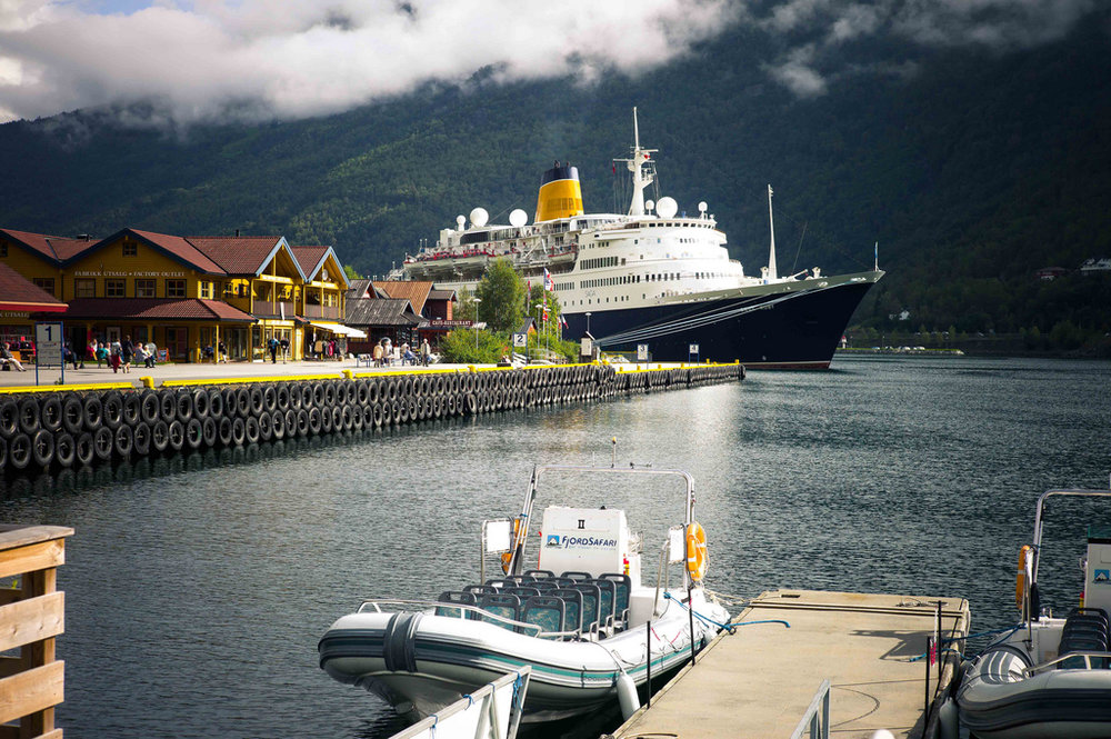 The Town of Flam receives a number of Cruise Ships every summer. Photo: Daniel Novello