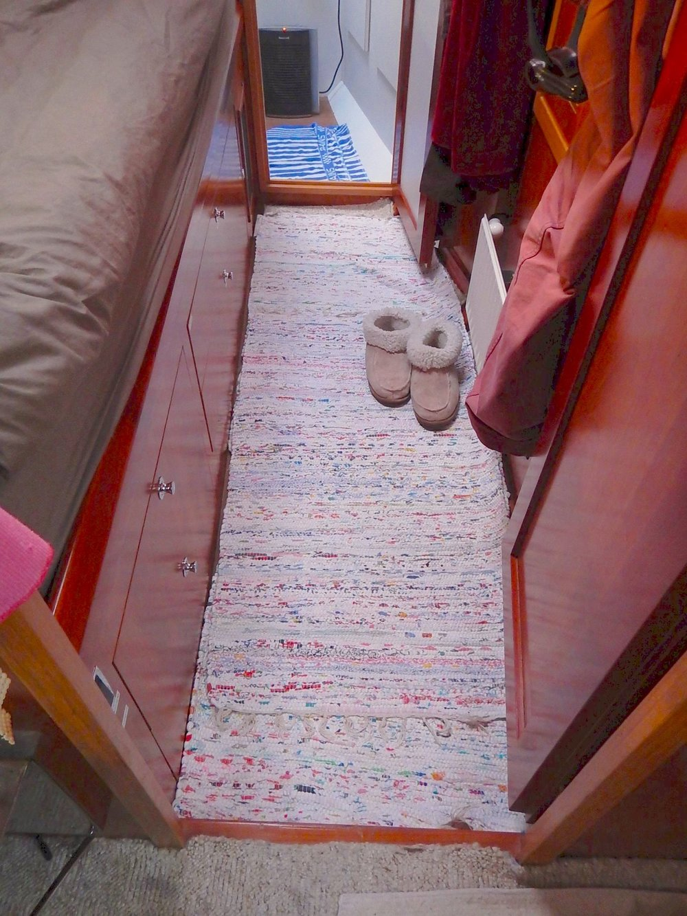 Nice woven rugs onboard. Photo by François & Valérie