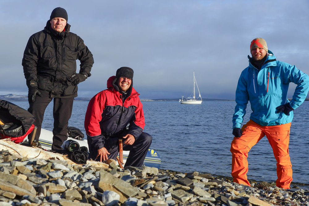 The jolly crew of S/Y Ruffe in Svalbard. Photo by: Kari Nurmi