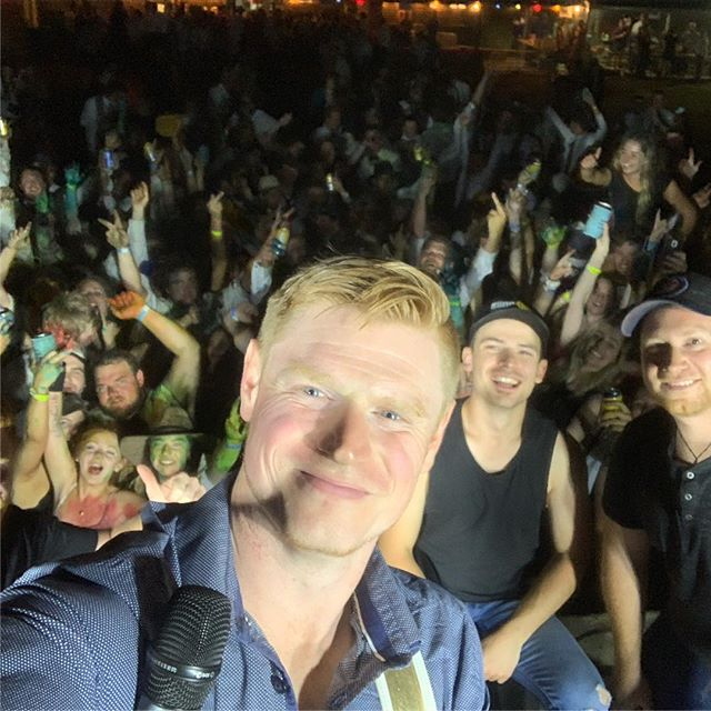 What a way to send our mate Luke off, thanks to everyone for making it an awesome night at Harrow BNS ball. 😁🤠 Now for the 14 hour drive to Tamworth, cya soon! 😂🤘🏻 #IABMusic #HarrowBns #TCMF19 #CountryRock