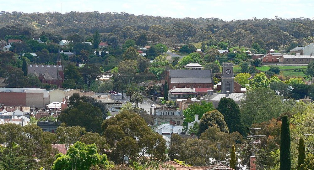 1200px-Castlemaine_from_burke_and_wills_memorial_lookout.jpg