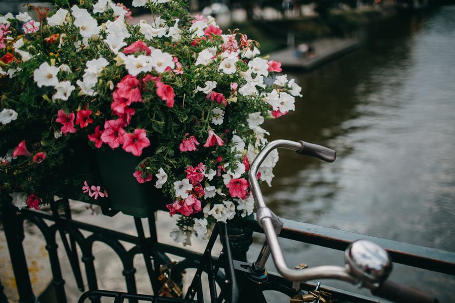 021-amsterdam-bikes-travel-photography.jpg