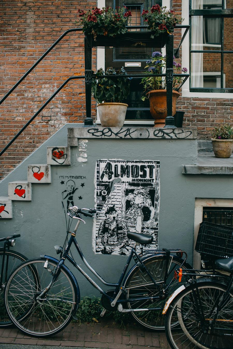 022-amsterdam-bikes-travel-photography.jpg