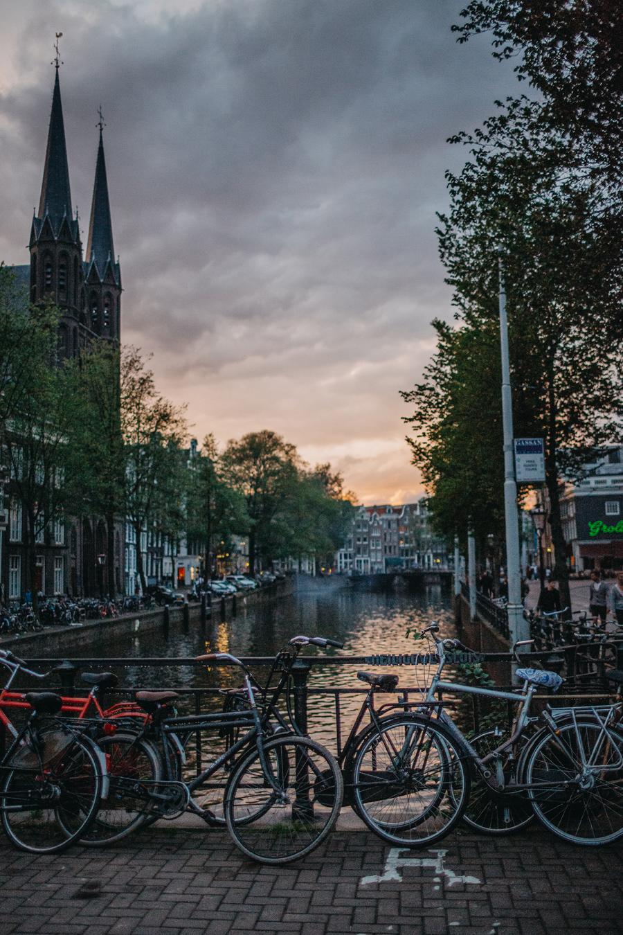 019-amsterdam-bikes-travel-photography.jpg
